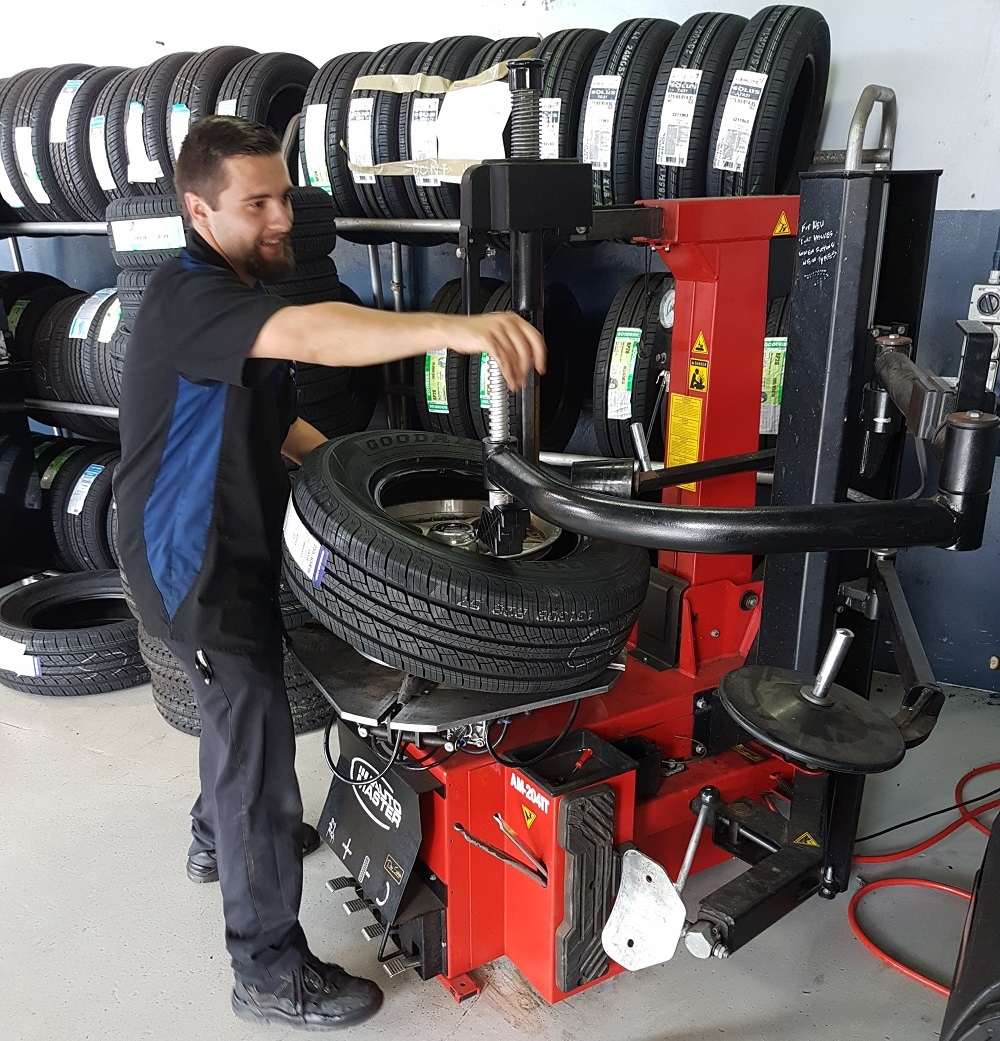 Tyre Changer in action.